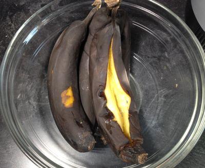 ban-muffins-cut-banana