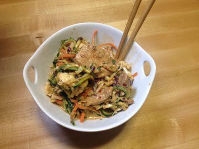 pad thai salad in bowl